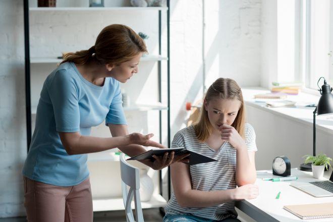 Как девушке подрочить на работе model elite model management