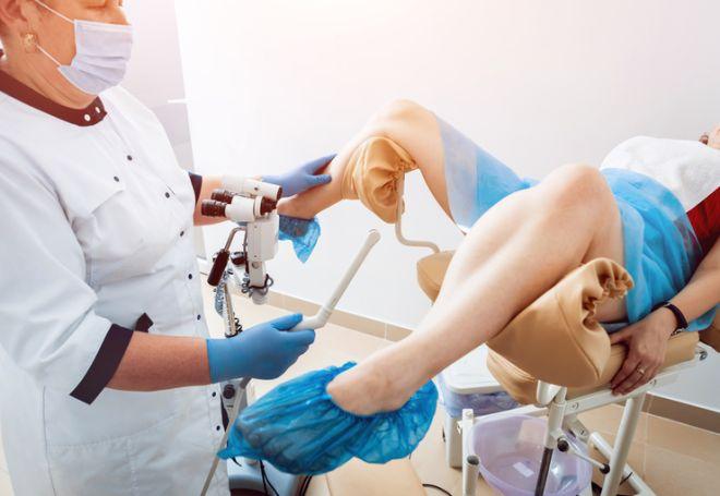 Причины самопроизвольного выворота матки после родов