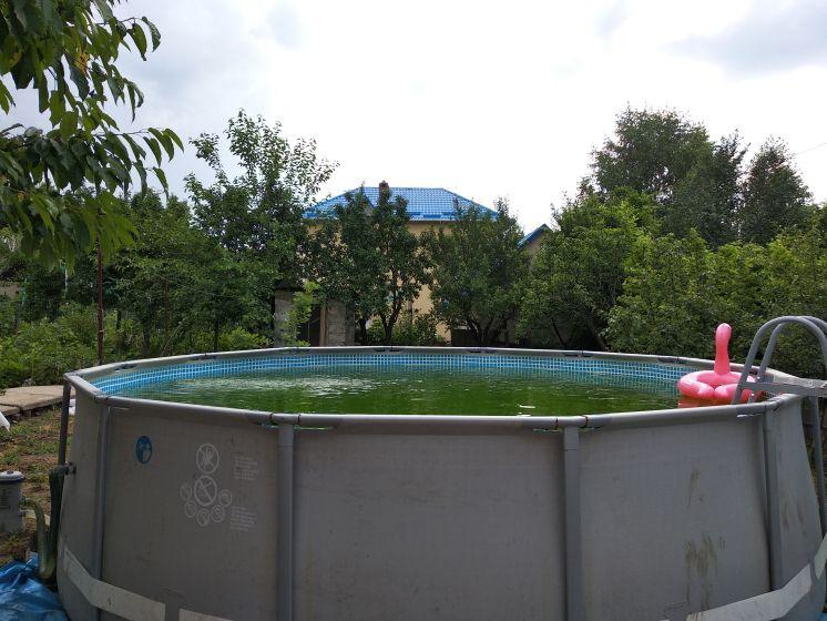 У кого есть бассейн?!