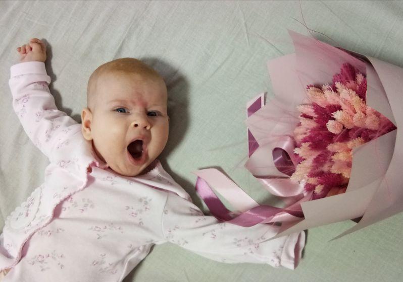 Твое лицо, когда подарили цветы 😂😂😂